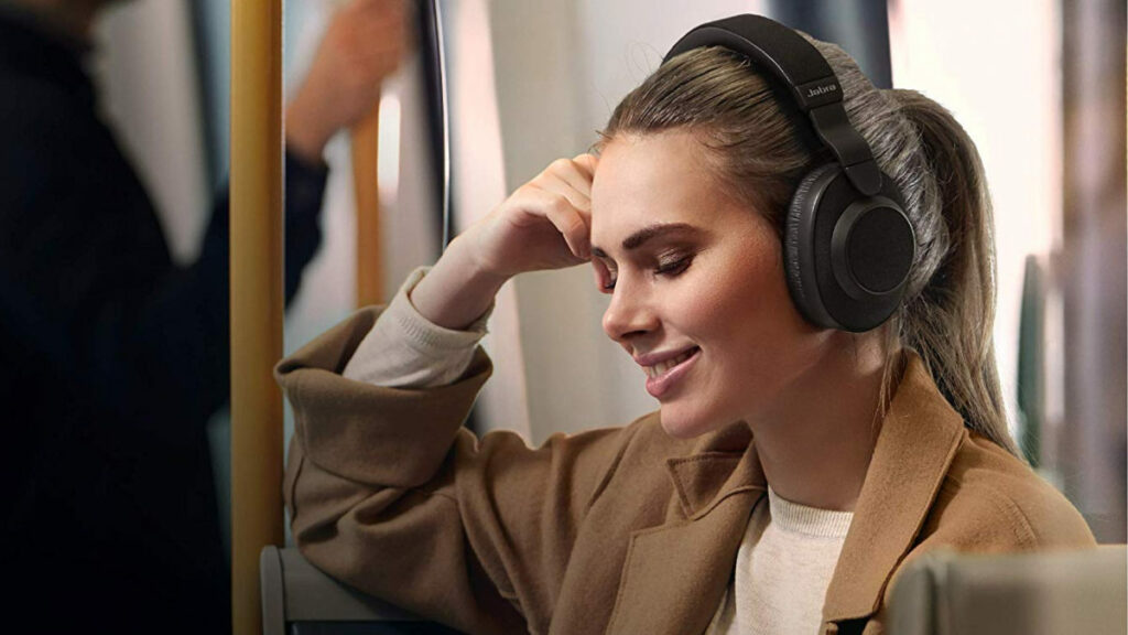 Jabra's Elite 85h noise-canceling headphones